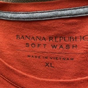 Banana republic tee size XL